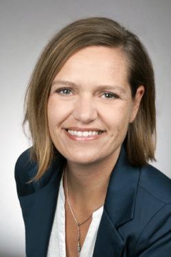 BEla Janine Höfer, Trainer und Coach